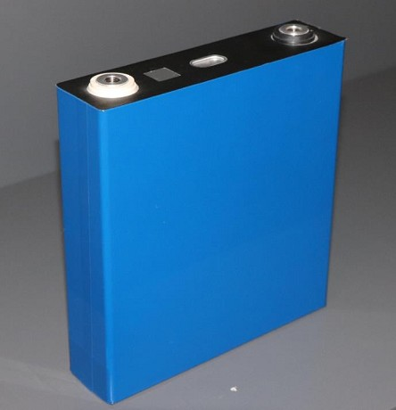 <b>Bright Star 150Ah 3.2V 5C</b><br>Aluminum Encased Battery<br>Lithium LiFePO4